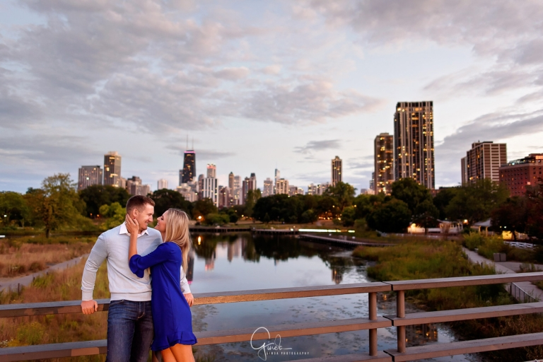best engagement session locations in chicago at night
